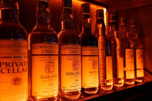 Rare Highland Whiskies at An Pucan Pub Galway_0574